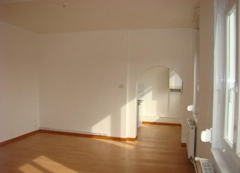 Appartement à louer 70m2 à Marconne