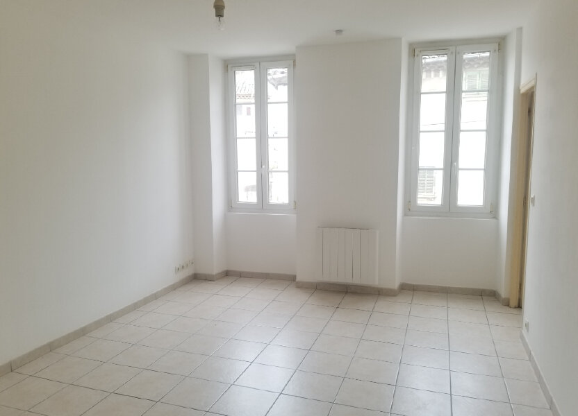 Appartement à louer 32m2 à Cadenet