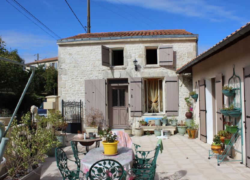 Maison à vendre 145m2 à Saint-Séverin-sur-Boutonne