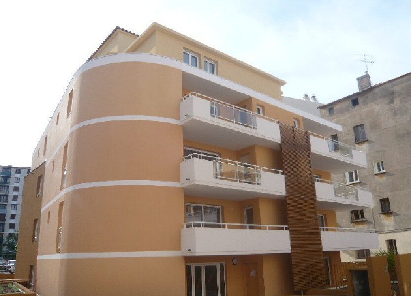Appartement à louer 50.7m2 à Saint-Raphaël