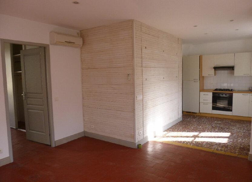 Appartement à louer 60m2 à Nîmes