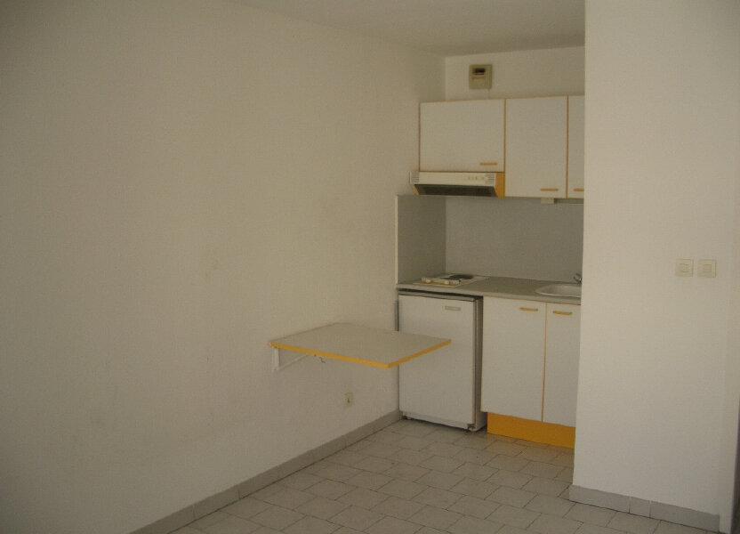 Appartement à louer 16m2 à Nîmes