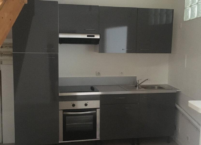 Appartement à louer 74m2 à Boucoiran-et-Nozières
