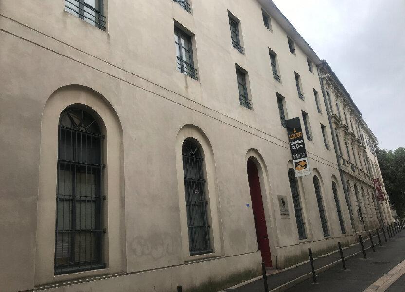 Appartement à louer 19.64m2 à Nîmes