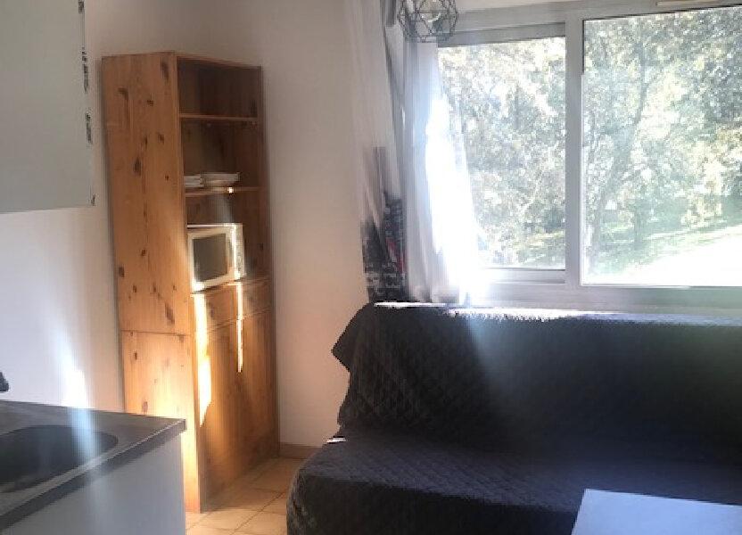 Appartement à louer 13m2 à Nîmes