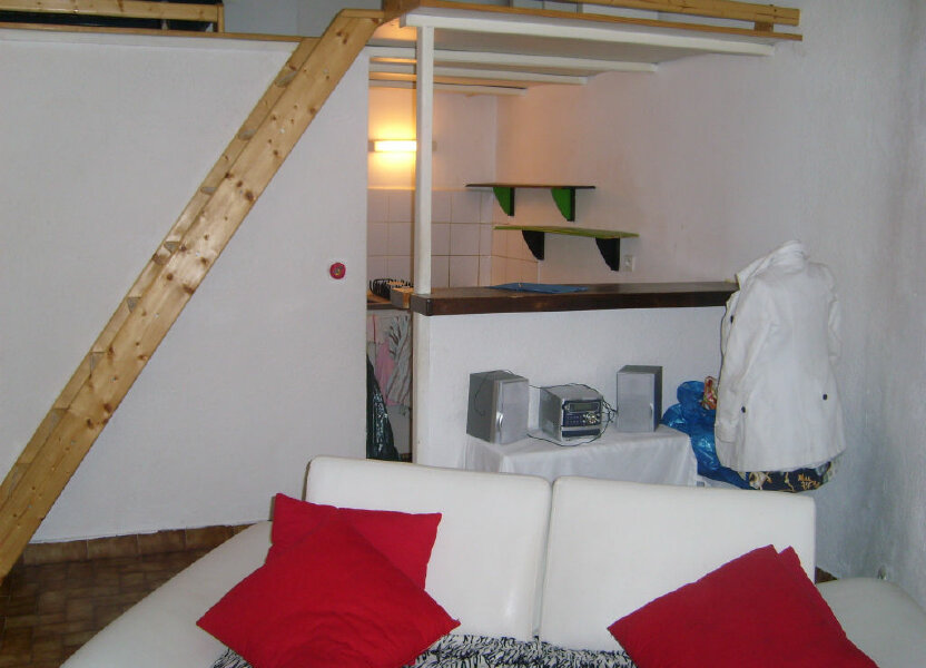 Appartement à louer 21m2 à Nîmes