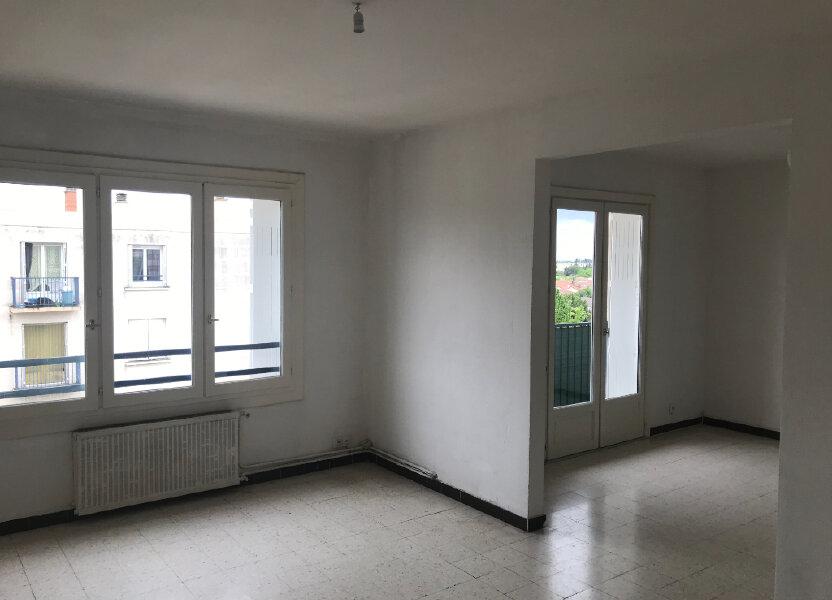 Appartement à louer 89.84m2 à Nîmes