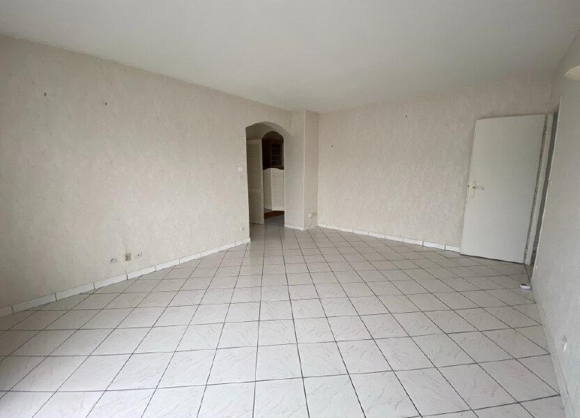 Appartement à louer 57.1m2 à Saint-Jean-de-la-Ruelle