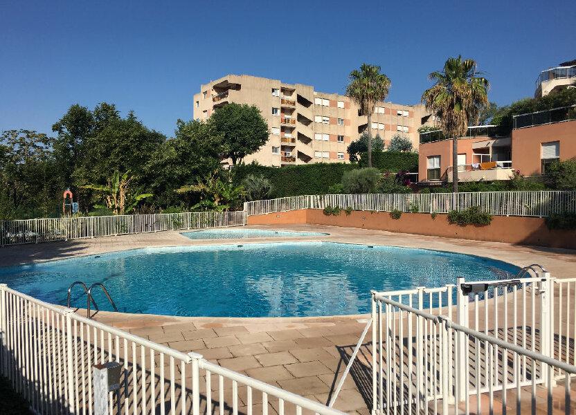 Appartement à louer 25.84m2 à Nice
