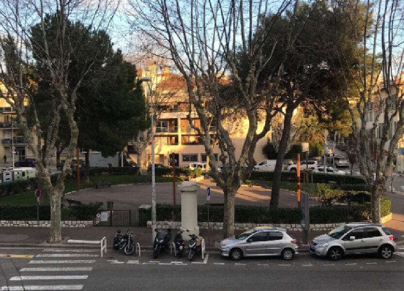 Appartement à louer 13.59m2 à Nice