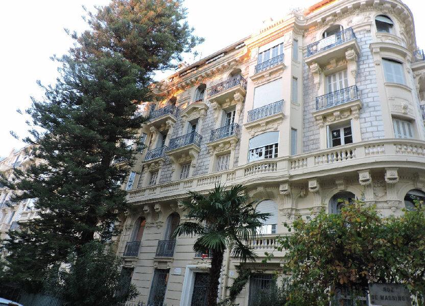 Appartement à louer 61.09m2 à Nice