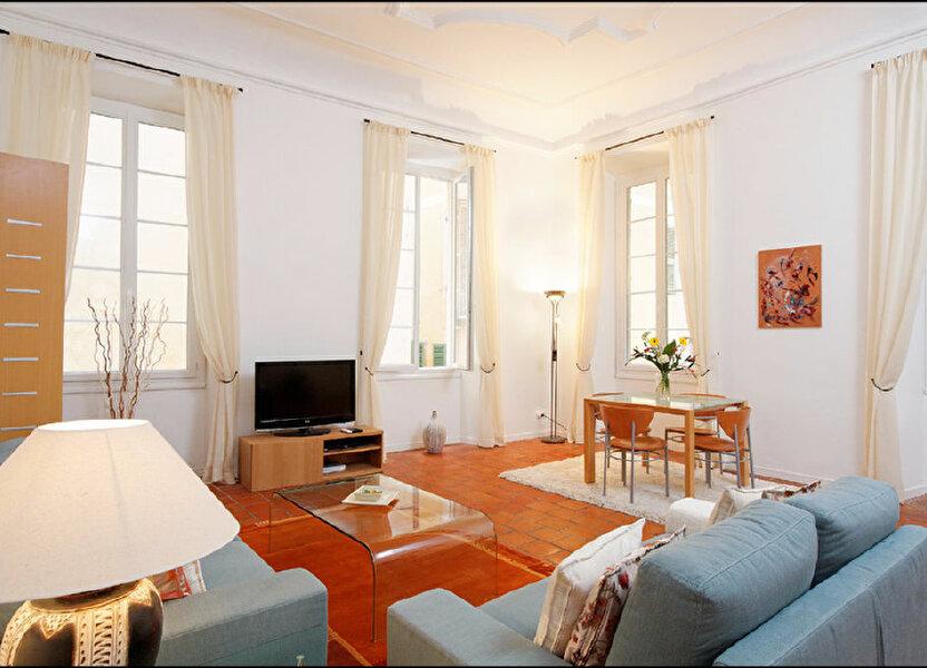 Appartement à louer 83.07m2 à Nice