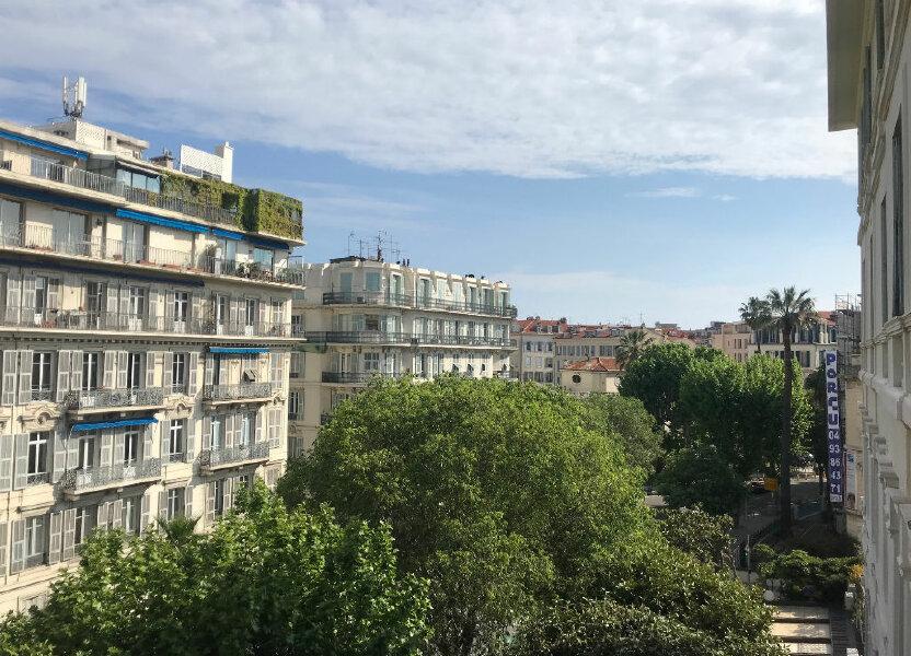 Appartement à louer 72.12m2 à Nice