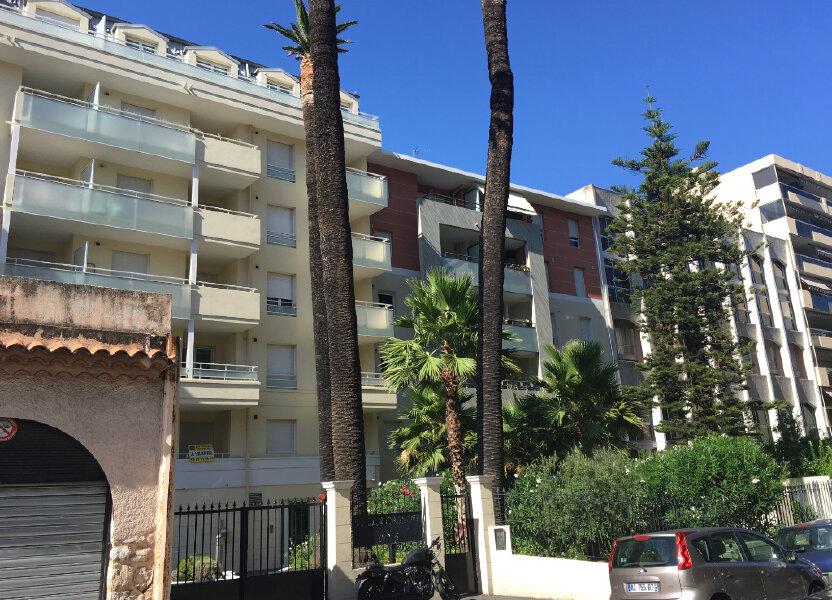Appartement à louer 40m2 à Nice