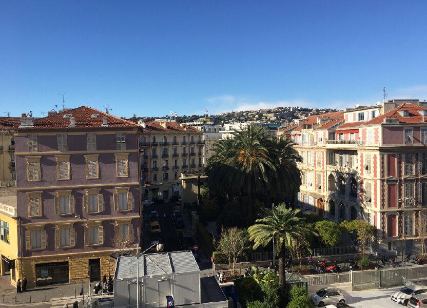 Appartement à louer 172.03m2 à Nice