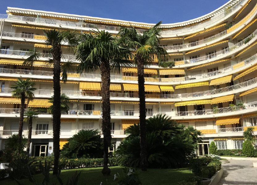 Appartement à louer 75.58m2 à Nice