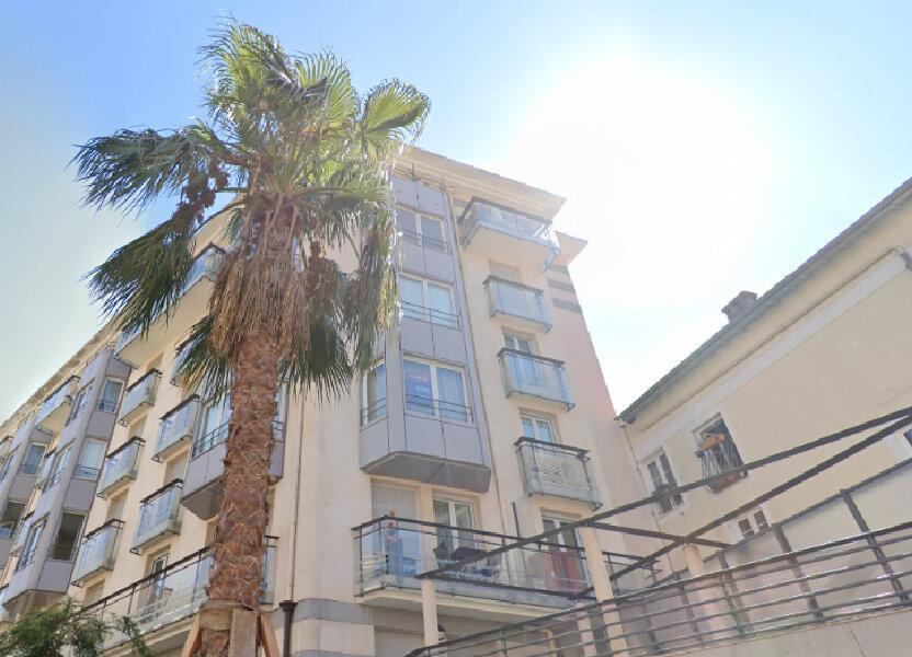 Appartement à louer 72.88m2 à Nice