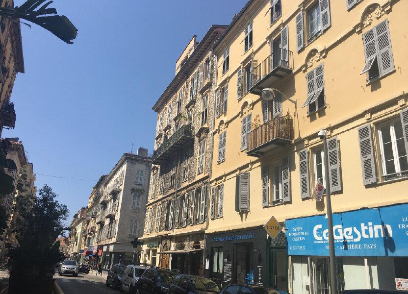Appartement à louer 84.57m2 à Nice