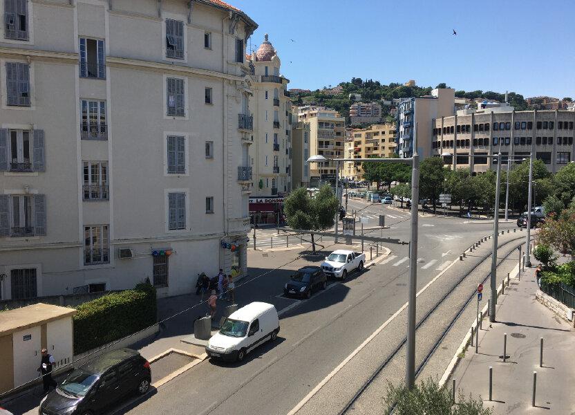 Appartement à louer 42m2 à Nice
