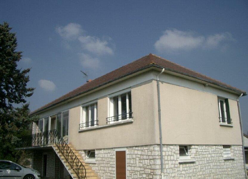Maison à louer 109m2 à Saint-Cyr-du-Gault