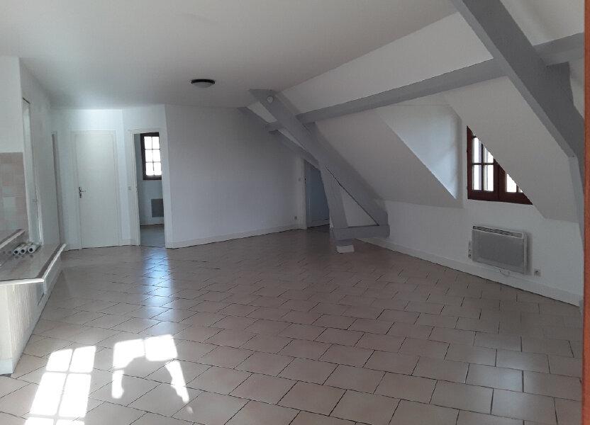 Appartement à louer 92.81m2 à Surville