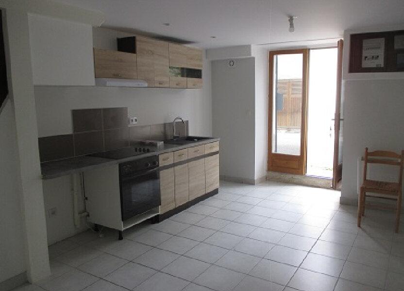Appartement à louer 54m2 à Entre-deux-Guiers