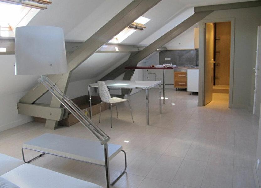 Appartement à louer 56.82m2 à Clamart