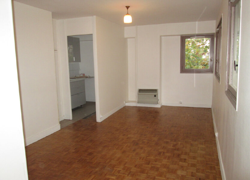 Appartement à louer 29.7m2 à Clamart