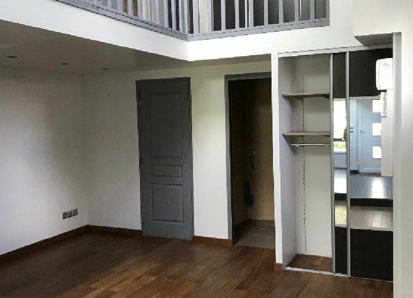 Maison à louer 44m2 à Gastins