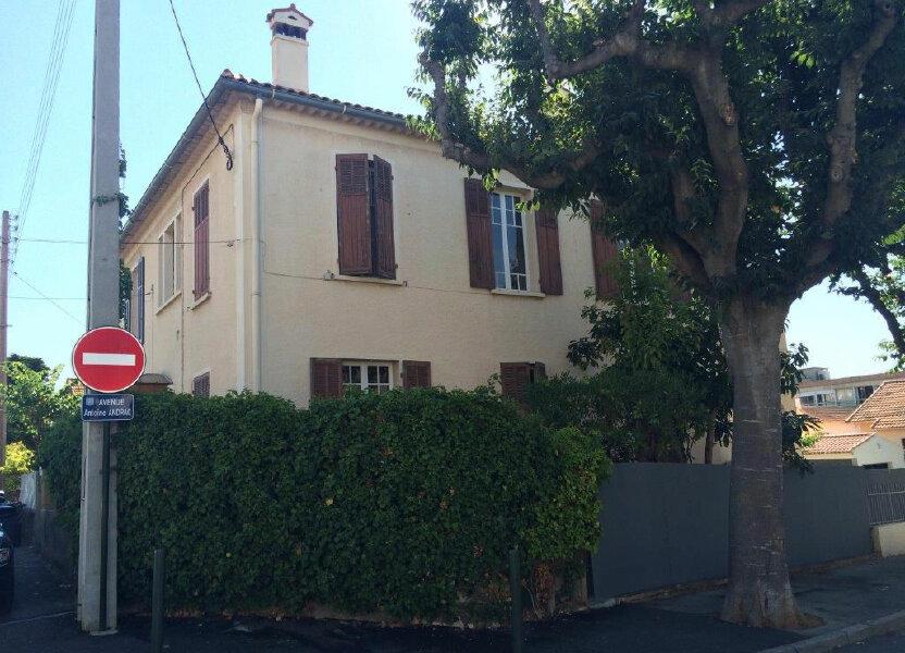 Appartement à louer 86m2 à Sanary-sur-Mer
