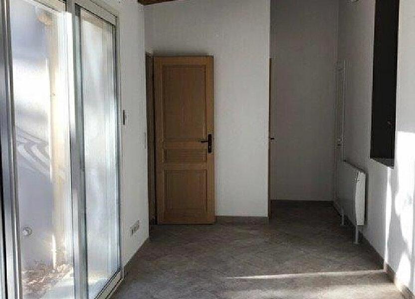 Appartement à louer 68m2 à Saint-Cyr-sur-Mer