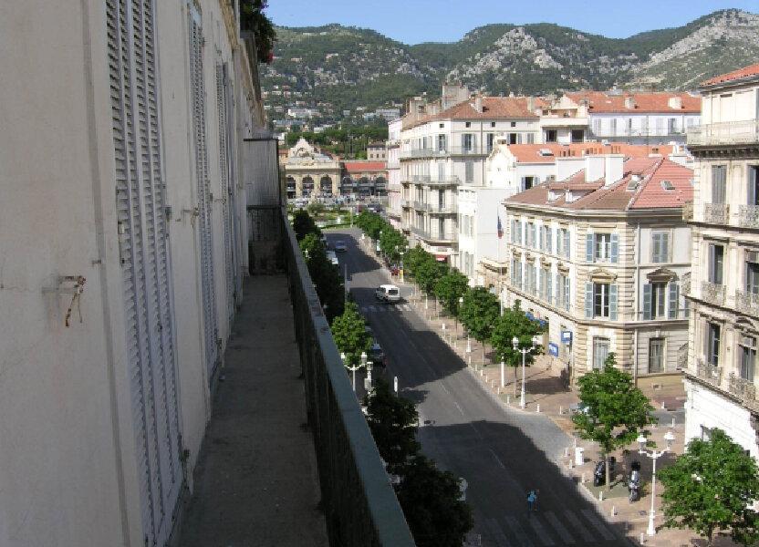Appartement à louer 121.68m2 à Toulon