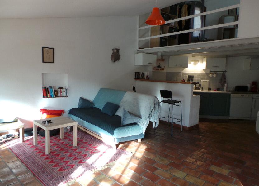 Appartement à louer 45.07m2 à Le Revest-les-Eaux