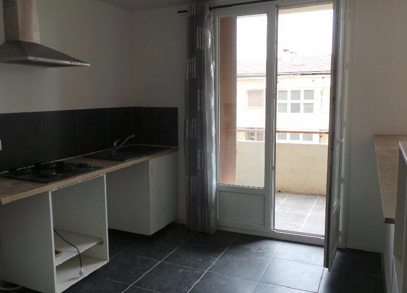 Appartement à louer 55.82m2 à Toulon