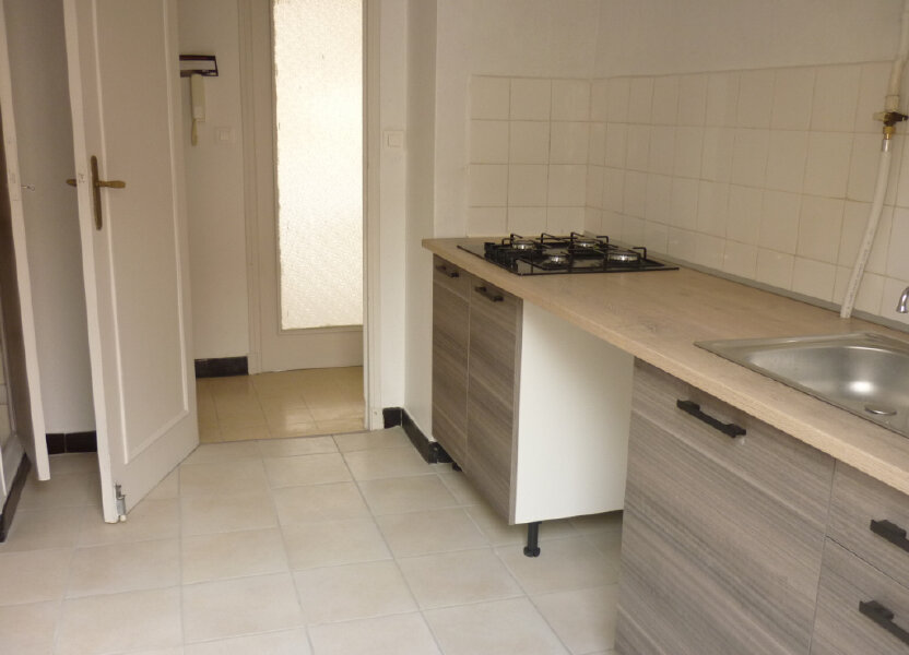 Appartement à louer 52.7m2 à Toulon