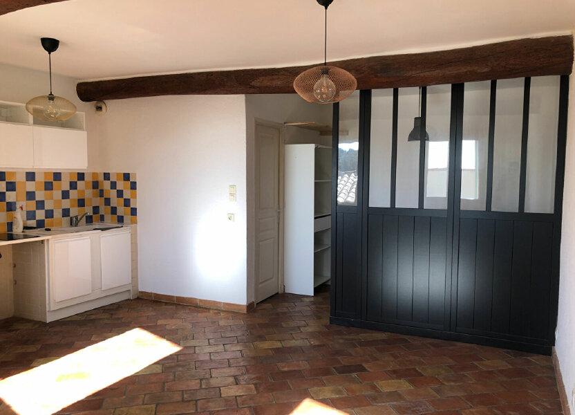 Appartement à louer 29.23m2 à Le Revest-les-Eaux