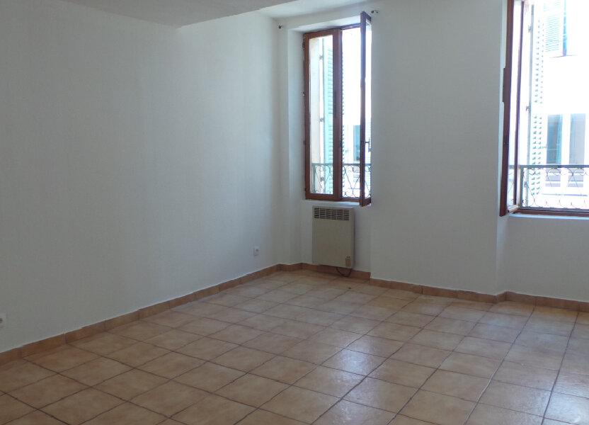 Appartement à louer 61.56m2 à Solliès-Pont