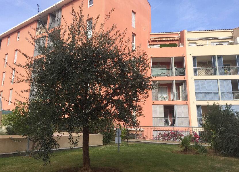 Appartement à louer 32.3m2 à Grasse