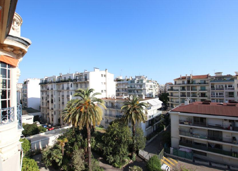 Appartement à louer 61m2 à Nice