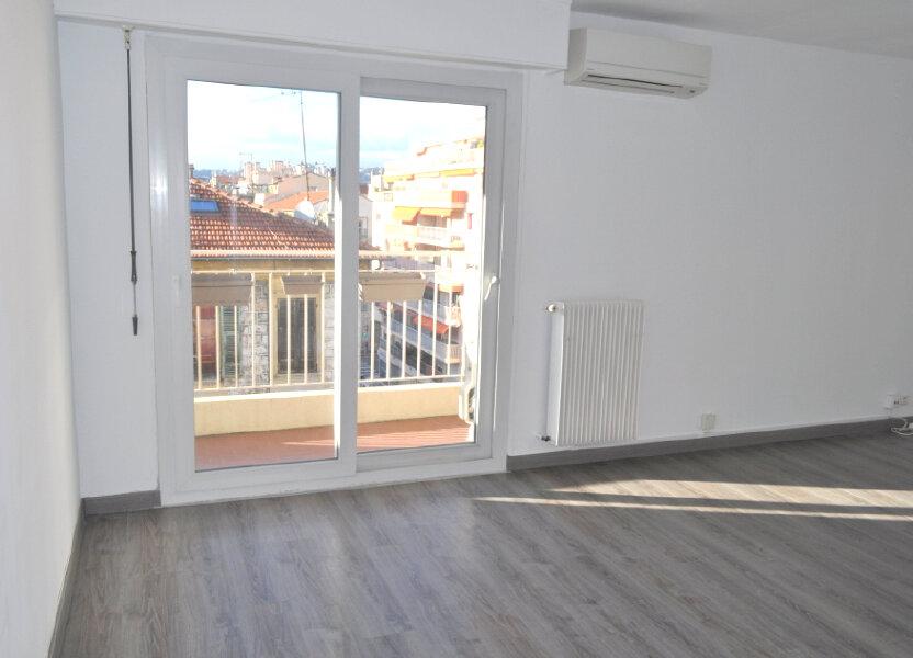 Appartement à louer 67m2 à Nice