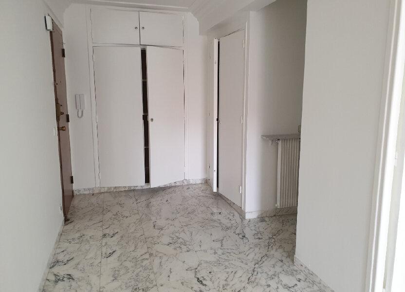 Appartement à louer 65.64m2 à Nice