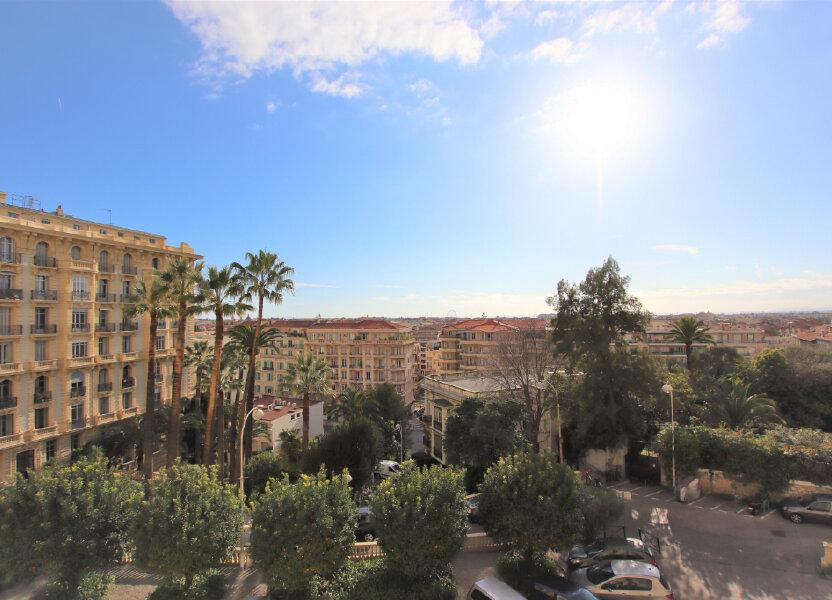 Appartement à louer 77.16m2 à Nice