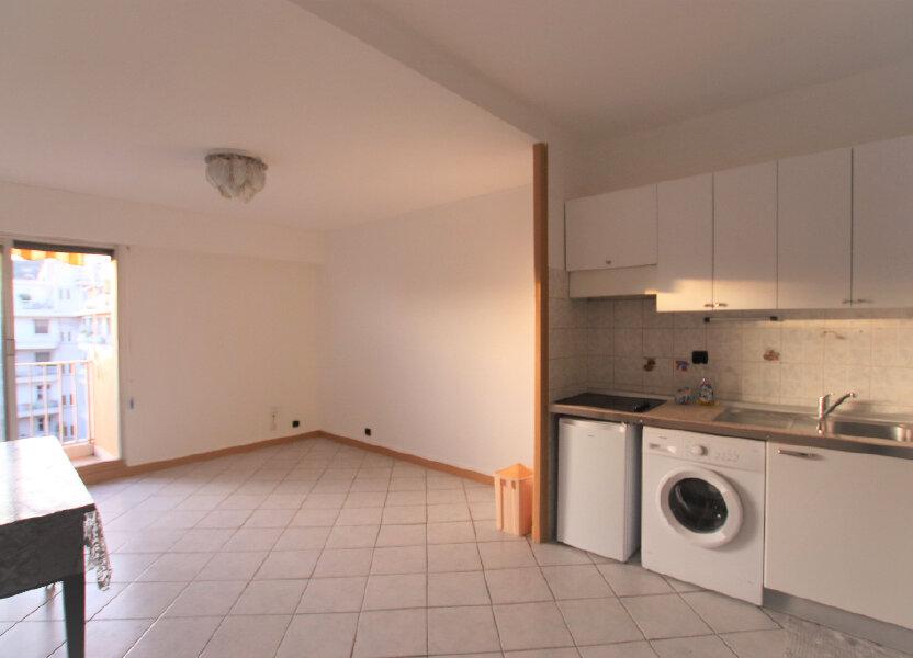 Appartement à louer 27m2 à Nice