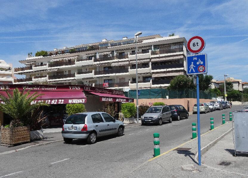 Stationnement à louer 13m2 à Cagnes-sur-Mer
