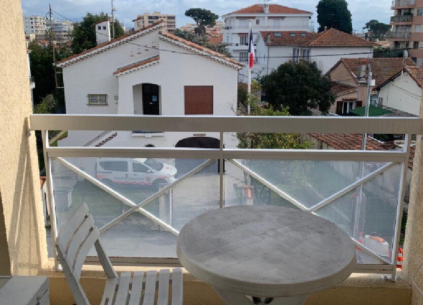 Appartement à louer 25m2 à Cagnes-sur-Mer