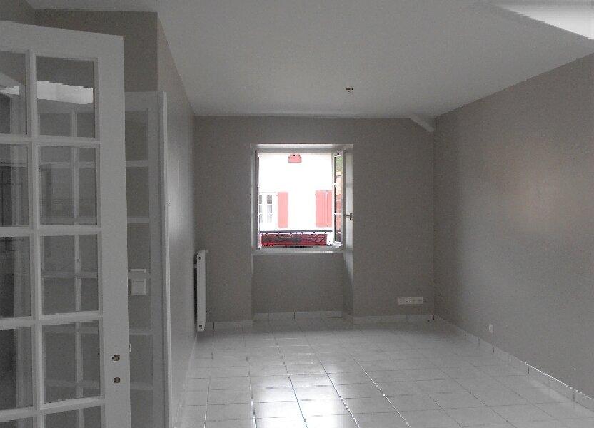 Appartement à louer 76m2 à Ainhoa