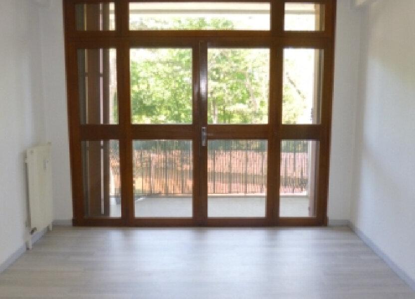Appartement à louer 47.3m2 à Salon-de-Provence