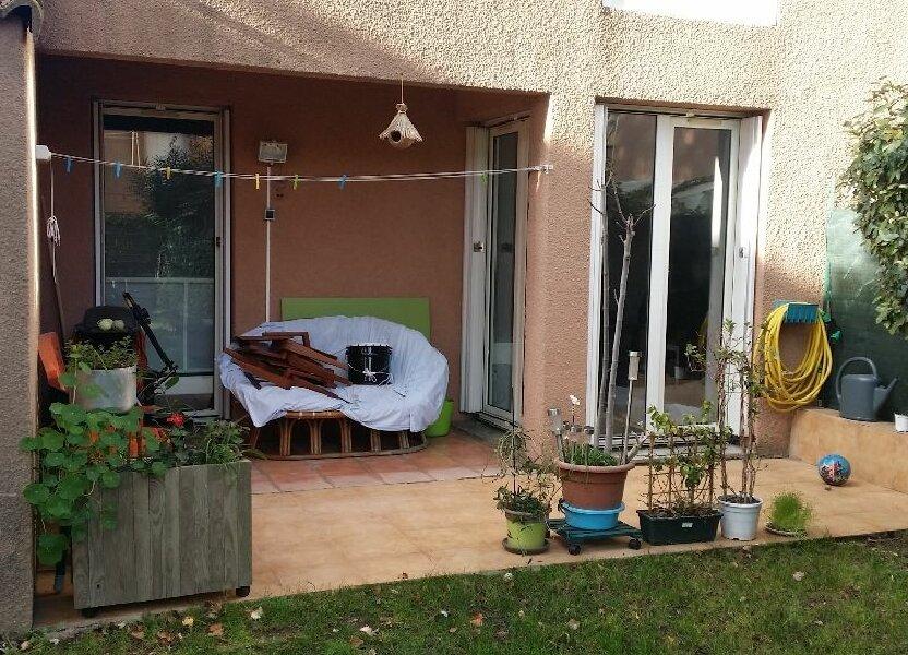 Appartement à louer 62.1m2 à Istres