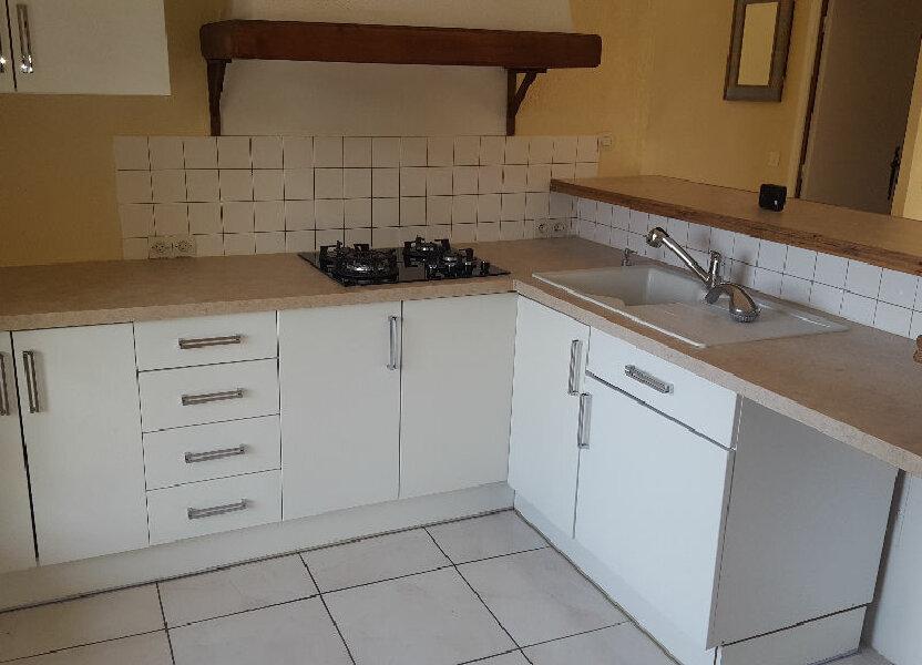 Appartement à louer 64.93m2 à Saint-Mitre-les-Remparts