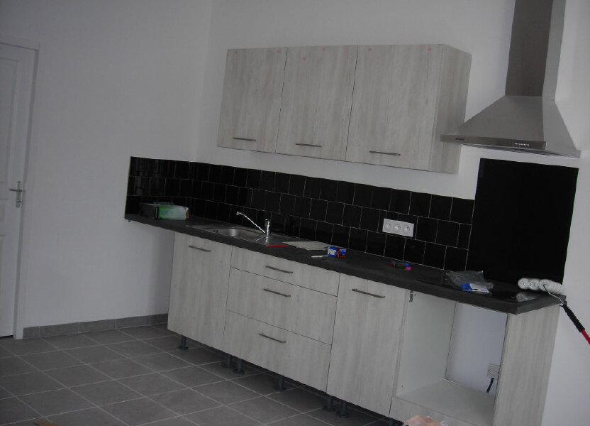 Appartement à louer 70m2 à Lambesc